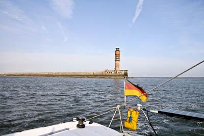 Hafeineinfahrt Dunkerque passiert